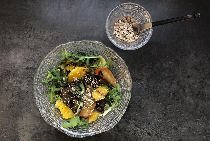 Рецепт. Теплый салат с печенью и апельсином