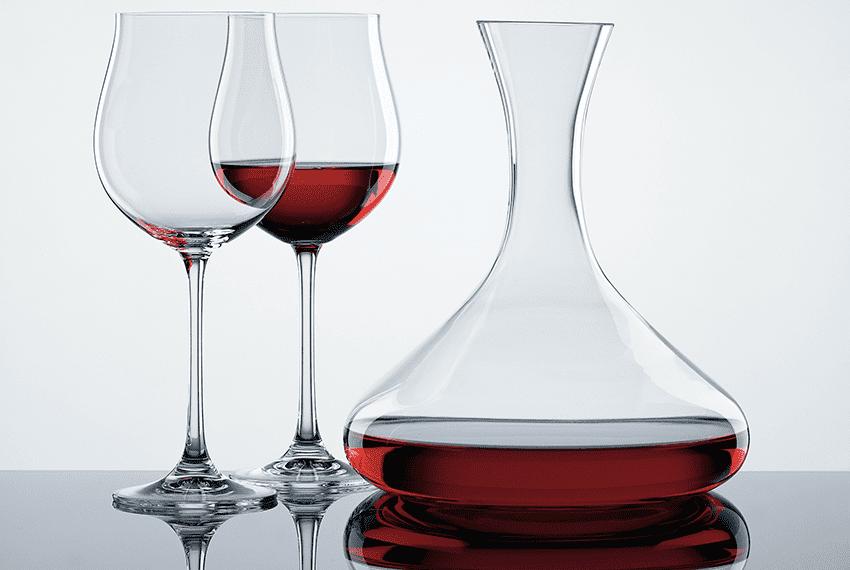 Вино и винные бокалы